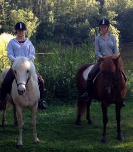 islandshästarna Kria och Vega